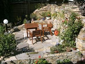 Steinmauer Im Garten : bilder von steinmauern im garten ~ Lizthompson.info Haus und Dekorationen