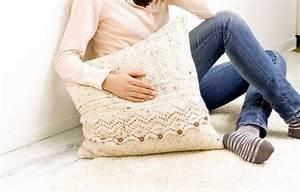 Kissen Häkeln Anleitung Kostenlos : lacemuster kissen mit tweed optik kostenlose strickanleitung ~ Orissabook.com Haus und Dekorationen