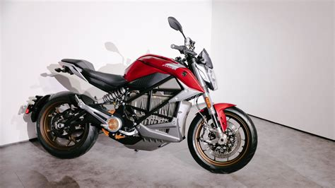 The Zero Sr/f New Electric Motorcycle Can Charge 150 Miles