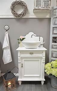 Badmöbel Vintage Style : best 25 chic bathrooms ideas on pinterest bathroom ~ Michelbontemps.com Haus und Dekorationen