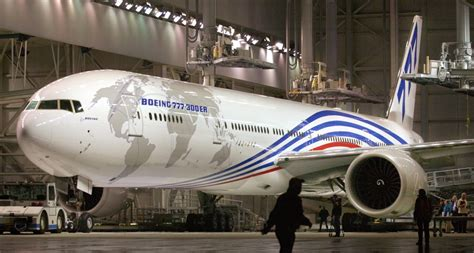 range of 777 300er the glorious history the boeing 777 business insider