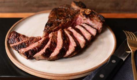 classic steakhouse  reigns  america fsr