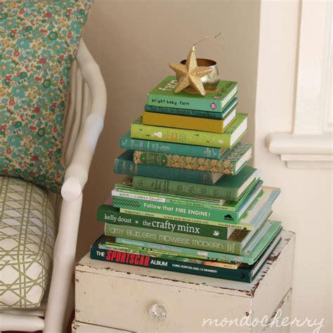Books For Decor - 10 alberi di natale realizzati con i libri greenme