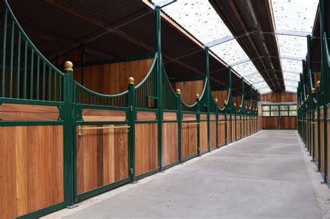 Pferdestall Innen by Pferdestall In Frankreich