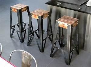 Bar Style Industriel : tabouret de bar design original gamme indus bruno grange cossou ~ Teatrodelosmanantiales.com Idées de Décoration