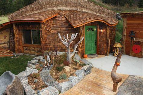 hgtv  feature hobbit house  montana monolithic dome