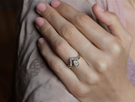 view gallery of awesome pear shaped engagement rings