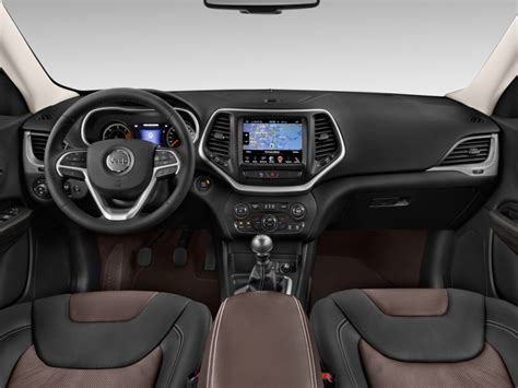 jeep cherokee dashboard image 2017 jeep cherokee limited fwd dashboard size