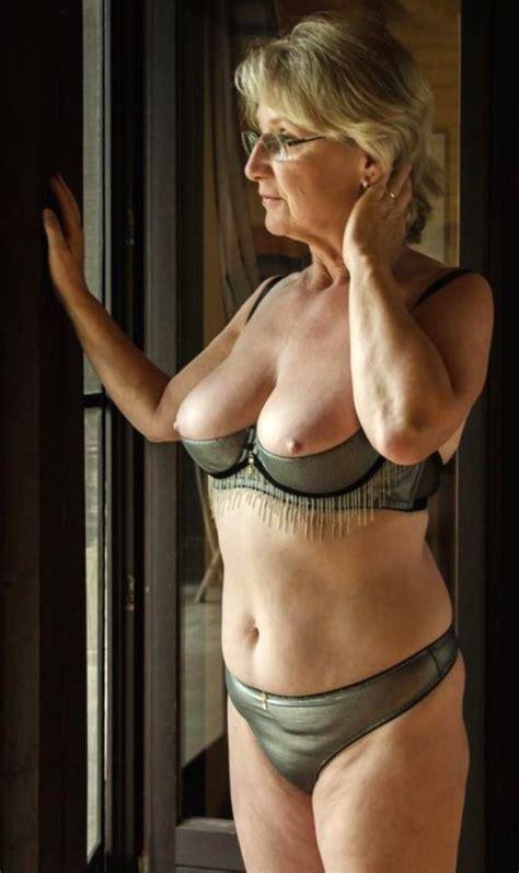 Easy Sexy Women In Lingerie