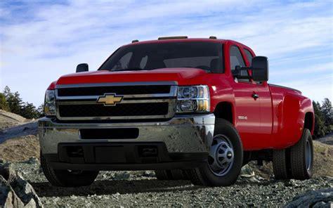 Heavyduty Truck Comparison Five Heaviest Holiday Haulers