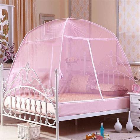 mobile pour lit bebe pas cher les 25 meilleures id 233 es de la cat 233 gorie tente moustiquaire sur lits de tente de