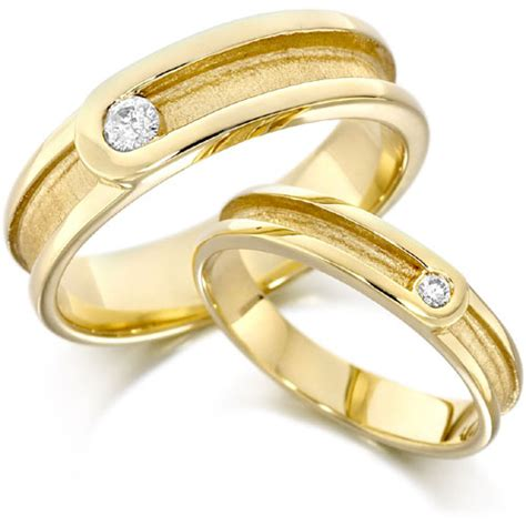 cosmetics gold wedding ring pictures