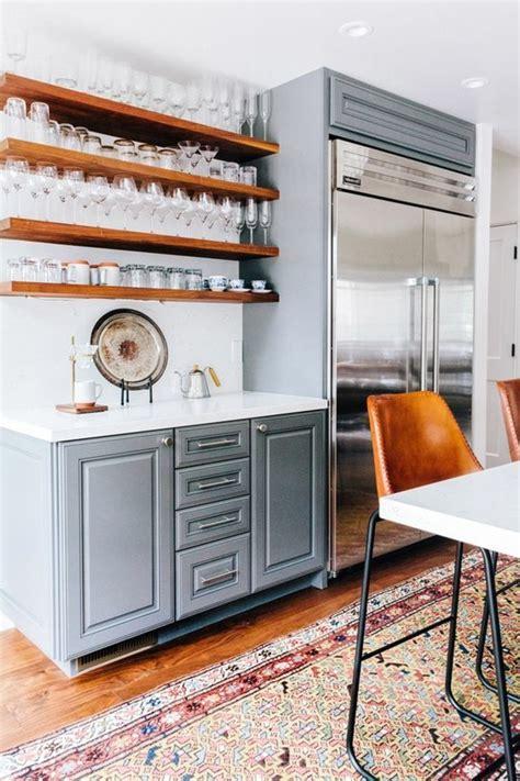tablette murale cuisine la chaise de cuisine moderne en 62 photos inspirantes