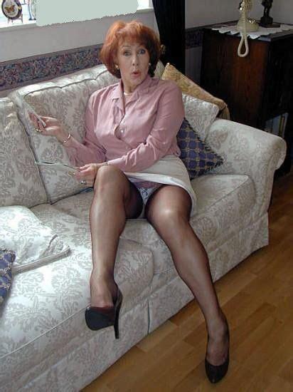 Mature Granny upskirt and panties   UK Granny Dating Hot ...
