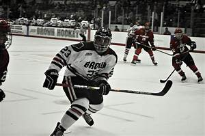 Men's hockey inconsistent in non-conference play, shows ...
