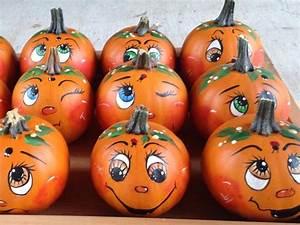 Halloween Kürbis Bemalen : pin by betty griebel on pumpkins halloween things pinterest ~ Eleganceandgraceweddings.com Haus und Dekorationen