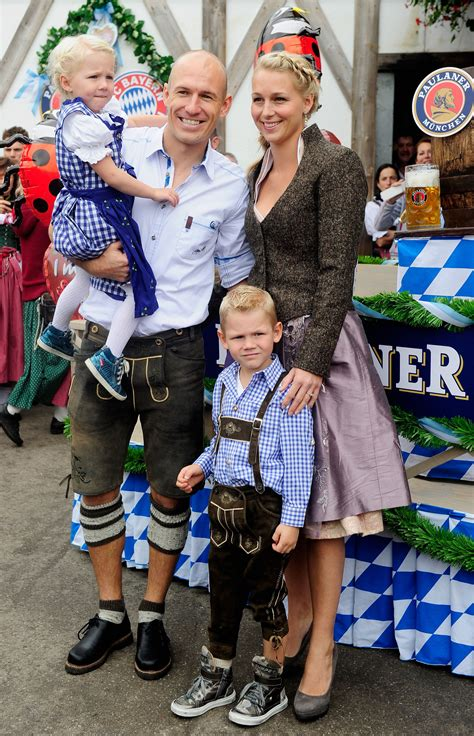251,294 likes · 92 talking about this · 358,796 were here. Gallery: FC Bayern Muenchen attends Oktoberfest 2013 | Metro UK