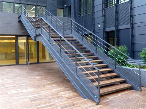 bureau style industriel en m騁al et bois escalier structure metallique escalier structure m tallique vente escaliers acier marseille 13 escalier structure m tallique vente escaliers