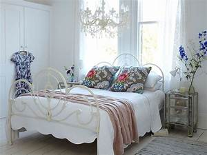 Shabby Chic Mode : 50 delightfully stylish and soothing shabby chic bedrooms ~ Markanthonyermac.com Haus und Dekorationen