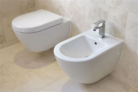 bidet  travelers guide  foreign bathrooms