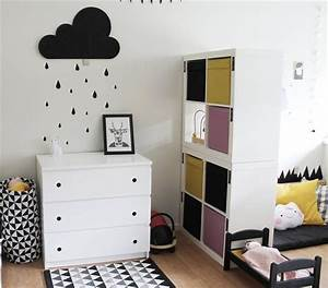 Ikea Kallax Kinderzimmer : we love this kids 39 comfy reading corner in a secretive nook behind kallax units great idea ~ Orissabook.com Haus und Dekorationen
