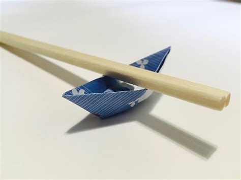 Origami Boat Chopstick Rest by Origami Chopstick Holder Boat In 13 Easy Steps