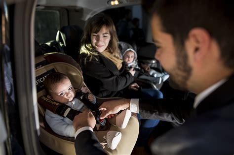 taxi siege auto prendre un taxi avec siège bébé sur aéroport taxi