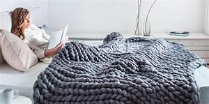 Tricoter Un Plaid En Grosse Laine : plaids coussins tapis la tendance de la laine xxl femme actuelle le mag ~ Melissatoandfro.com Idées de Décoration