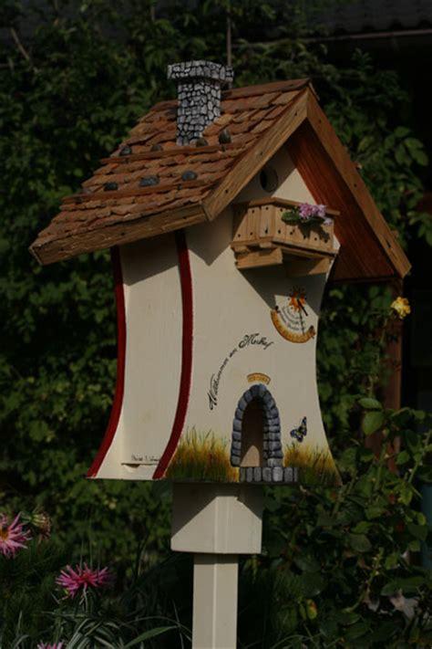vogelhaeuschen vogelvilla handarbeit handbemalt
