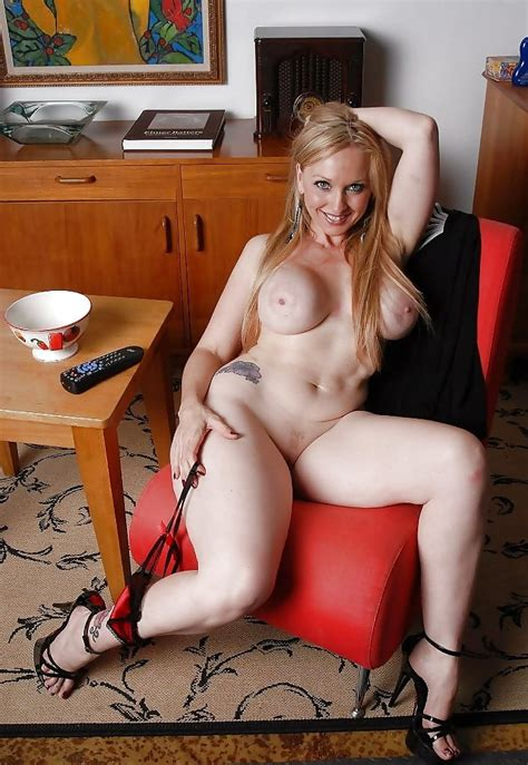 Busty Sexy Hot Cougars And Milfs I D Love To Fuck