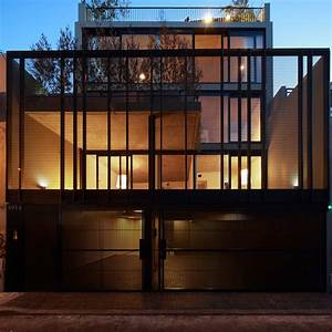 Clustered Dwellings Building / Ana Smud + Estudio Rietti ...