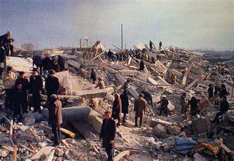 seisme tremblement de terre en images video dinosoria