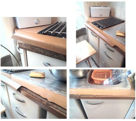 revetement adhesif plan de travail cuisine rev 234 tement de plan de travail fendu et d 233 coll 233 communaut 233 leroy merlin