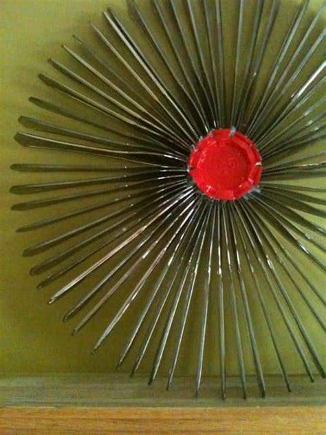 recycled plastic knife  wreath recyclart