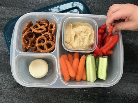 Our Favorite Pinterest Profiles For Decorating Ideas: Our Favorite School Lunch: The Hummus Lunchbox