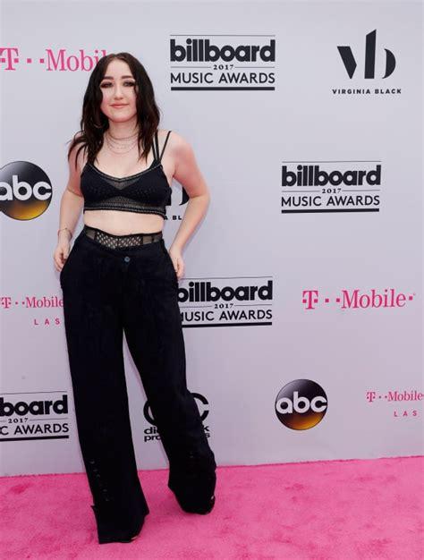 Billboard Awards Trophy billboard  awards fashion yuck  dressed worst 605 x 800 · jpeg