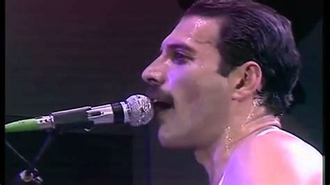 Queen -we Are The Champions Live Aid Wembley Stadium