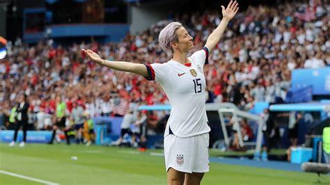 Megan Rapinoe Kneeling during National Anthem