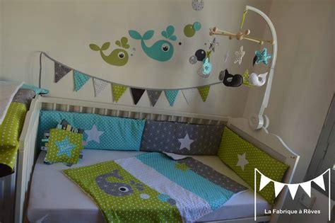 chambre bébé bleu turquoise décoration chambre enfant bébé baleine anis turquoise gris