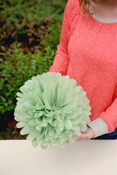 ways   giant tissue paper flowers guide patterns