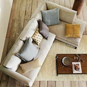 Le gros coussin pour canape en 40 photos salons small for Tapis champ de fleurs avec canape d angle gris cuir