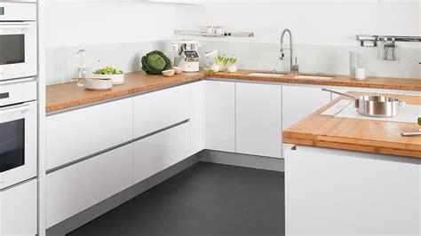 cuisine pour carrelage pour cuisine blanche cuisine sol blanc