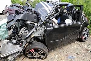 Accident De Voitures : accident de voiture dans l 39 ain trois jeunes victimes de l 39 inconscience le parisien ~ Medecine-chirurgie-esthetiques.com Avis de Voitures