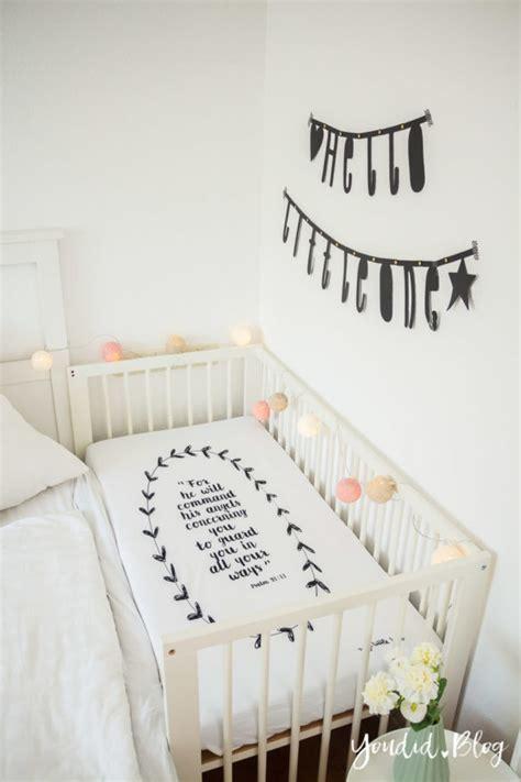 familienbett beistellbett oder babybett im kinderzimmer