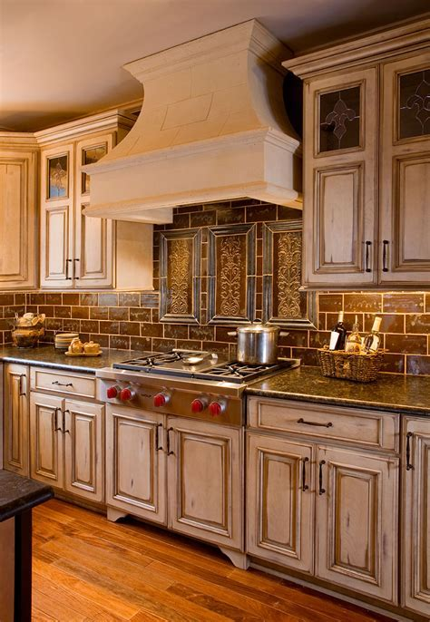 Country Kitchens   Designs & Remodeling   HTRenovations