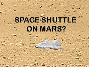 The Curiosity Rover finds a Space Shuttle type craft on ...