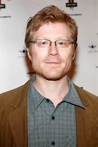 'House of Cards' fans attack Anthony Rapp for 'ruining ...