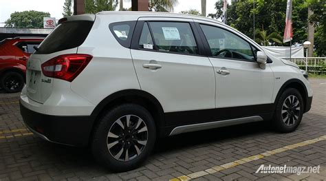 Gambar Mobil Suzuki Sx4 S Cross by Diskon Suzuki Sx4 S Cross Facelift 2018 Indonesia