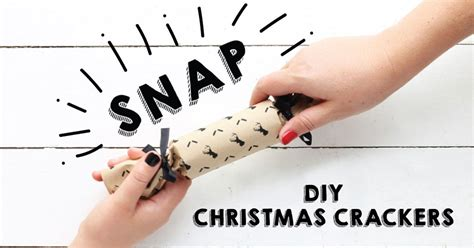 add some snap to your festive table with diy christmas