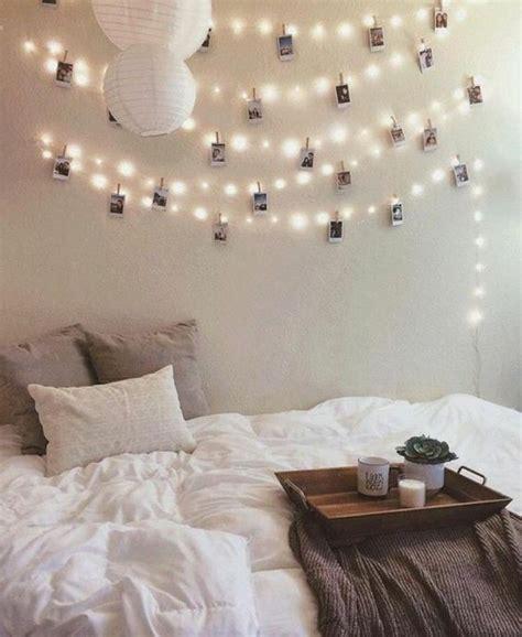 young woman bedroom and string lights 60 idées en photos avec éclairage romantique light